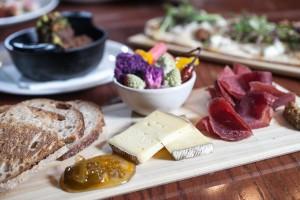 Chef's board: lamb meatballs, flatbread/Galdones photography