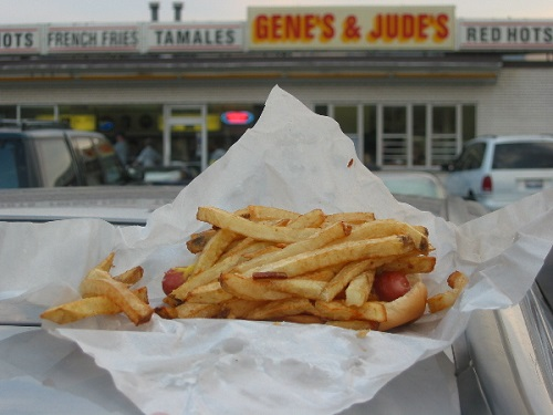 Classic Chicago hotdog/Photo: David Hammond